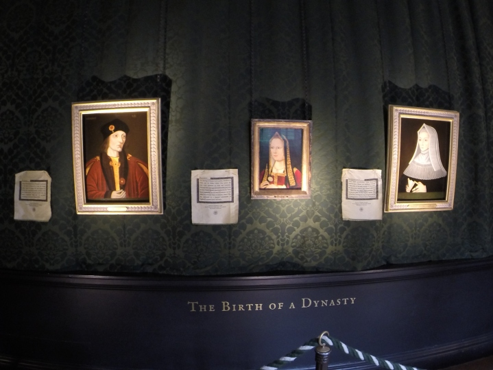 Left: King Henry VII (Henry Tudor), center: Elizabeth of York, Right: Henry VII's mother Lady Margaret Beaufort