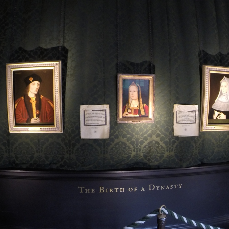 Left: King Henry VII (Henry Tudor), center: Elizabeth of York, Right: Henry VII's mother Lady Margaret Beaufort
