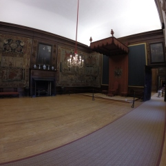 there are 3 throne rooms then William III's bed chamber... and depending on how close you were with the King means the closer to his bed chamber you got