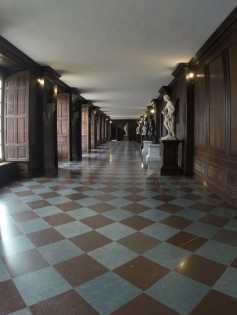 the indoor walking gardens for William III