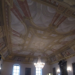 fake ceiling...